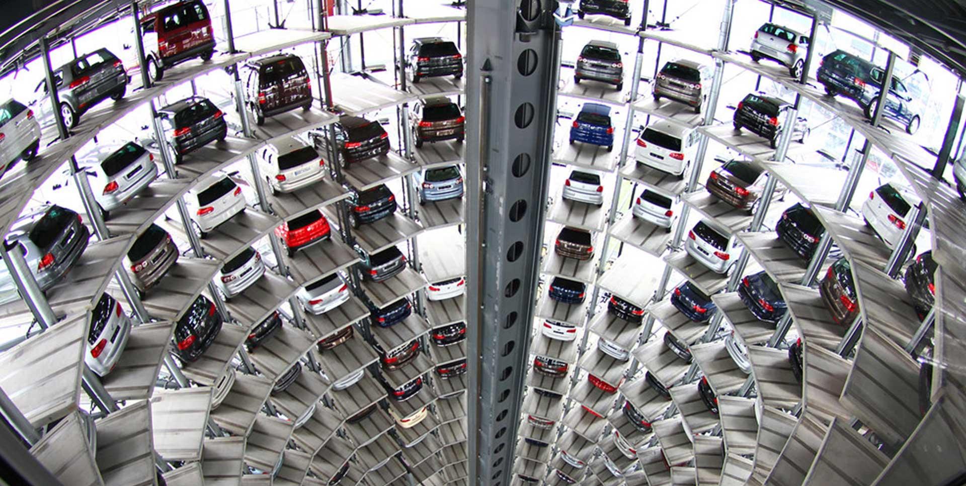 Recupero con carro attrezzi di veicoli nei garage multipiano