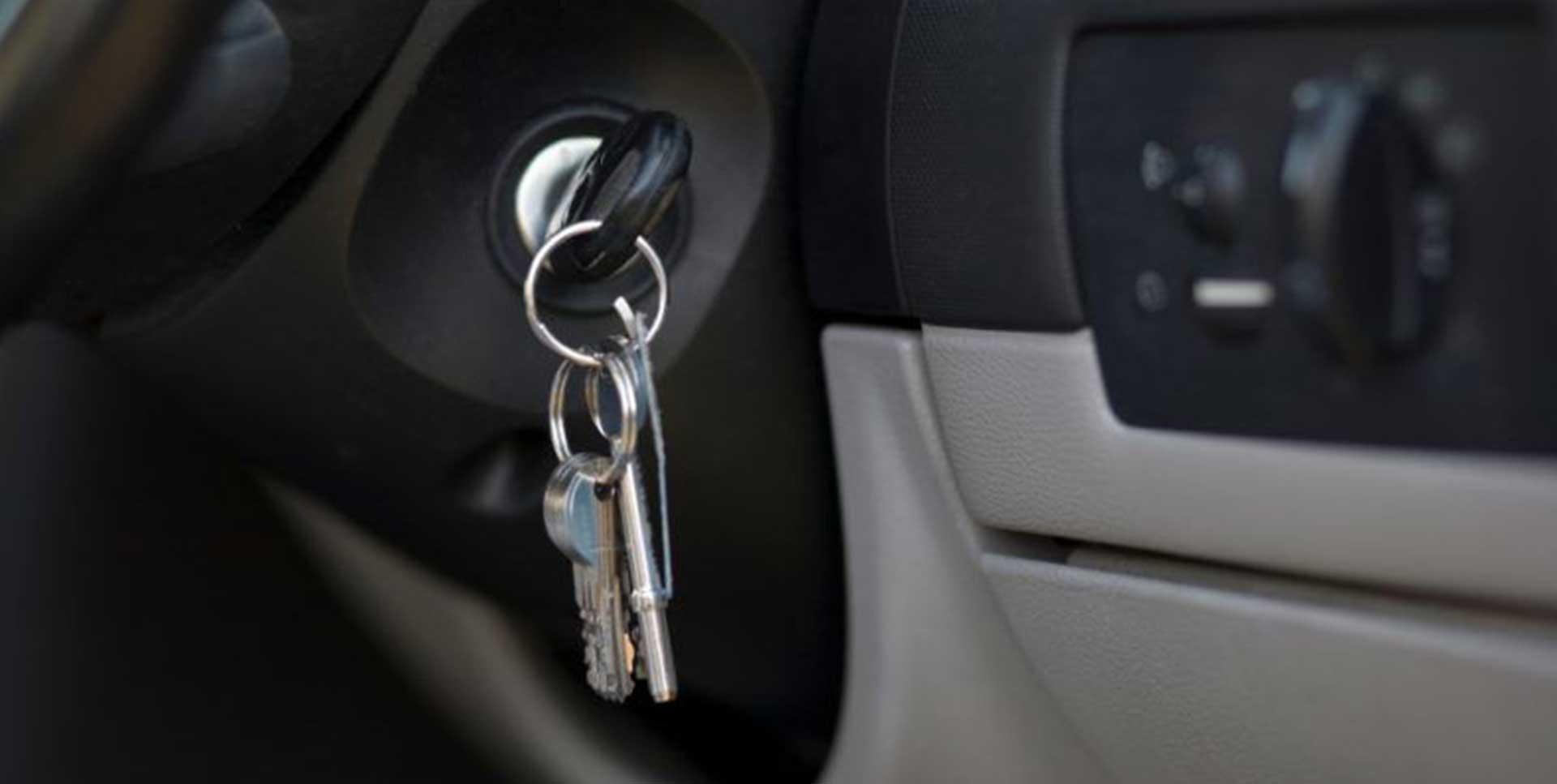 Soccorso con carro attrezzi di veicoli chiusi senza chiave